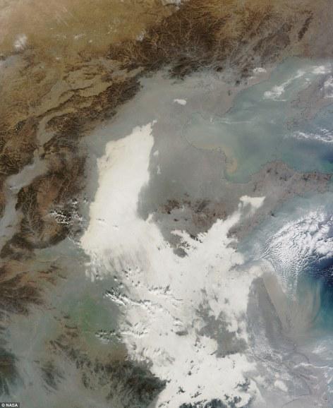 space smog over beijin, Dec7 2013