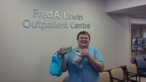 David Hewitt with his litterless lunch containers
