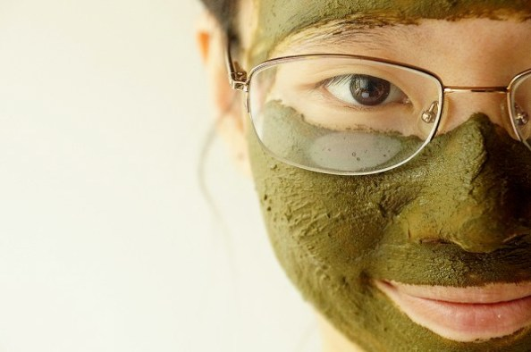 Green tea face mask: image credit: divineglowinghealth.com