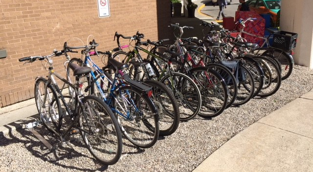 staggered-rack-with-bikes3.jpg