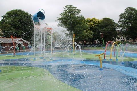 twh free cooling 3 splash pad